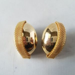 Vintage 80's Gold Tone Oval Clip On Earrings